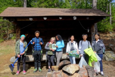 the group with trash to remove