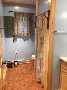 Tyler Cabin Bathroom
