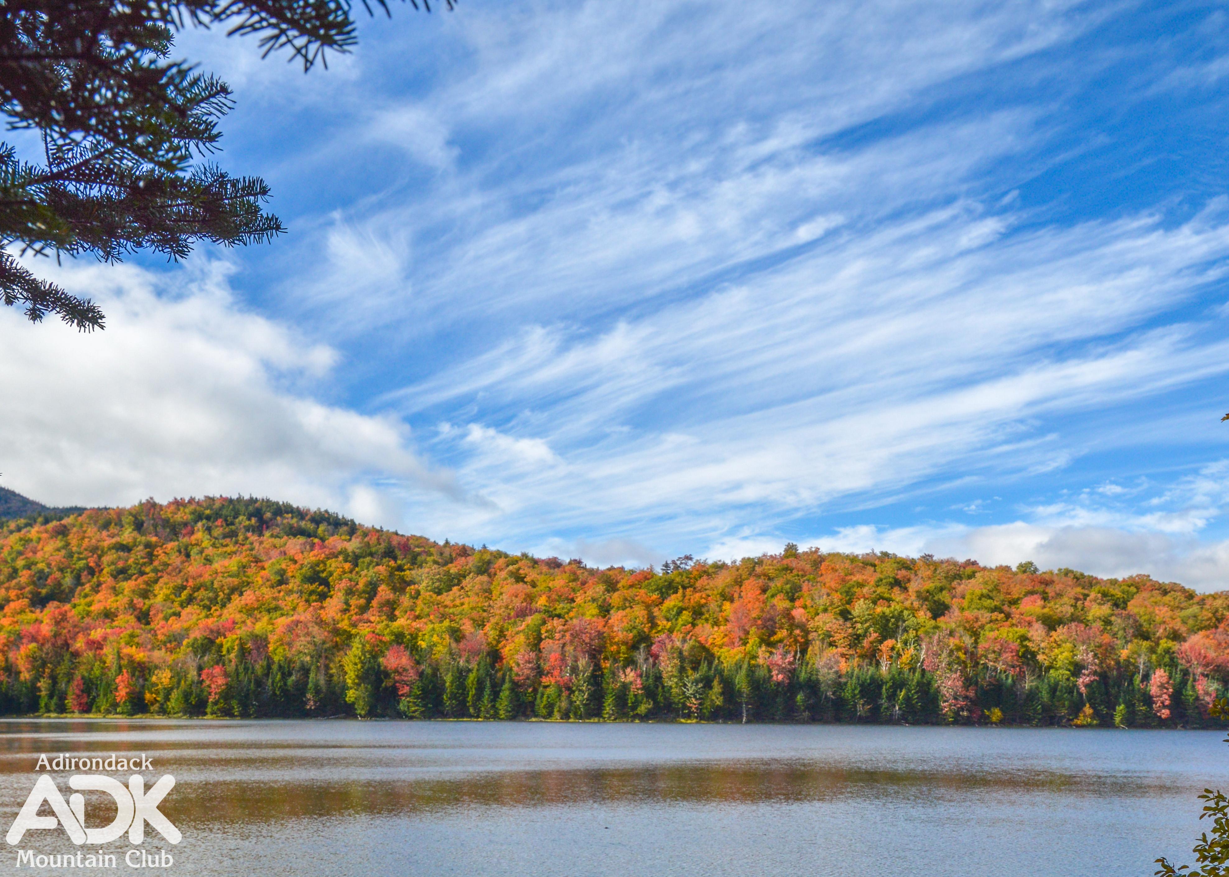 Fall folliage at Heart Lake