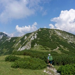 Ridge Walk with Rodica Peak in the distance (1966 m)