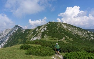Ridge Walk with Rodica Peak in the distance (1966 m)