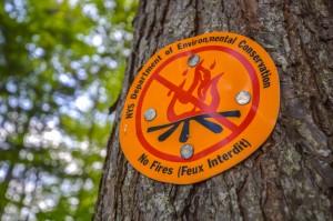 A no camping sign