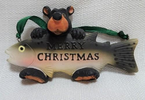 Bear ornament holding a fish